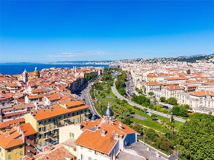 Take a Stroll around Nice !